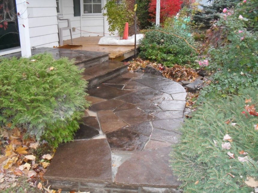 Lay a Stepping Stone Walkway - Lowes